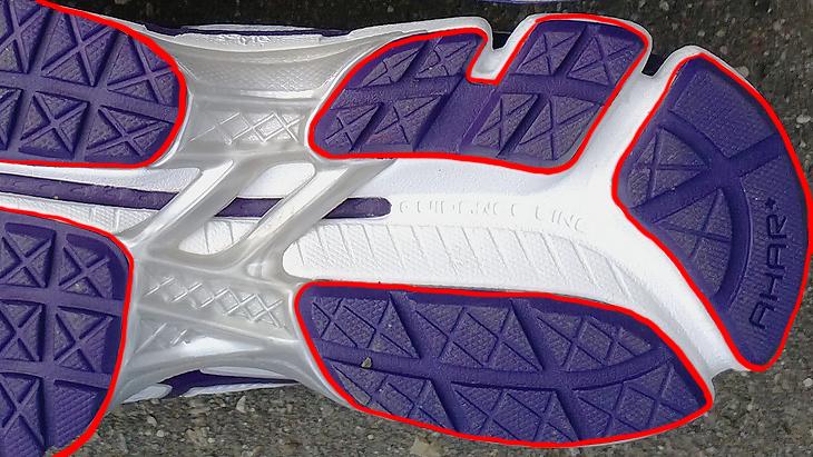 354c9b332 4) Кроссовки для бега никогда не делаются из кожи или других плохо дышащих  материалов.